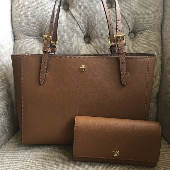 69f9eee604af Tory Burch Emerson SMALL Buckle Tote